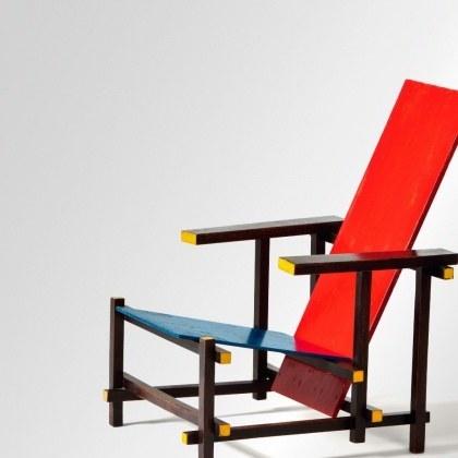Геррит: красно-синий стул